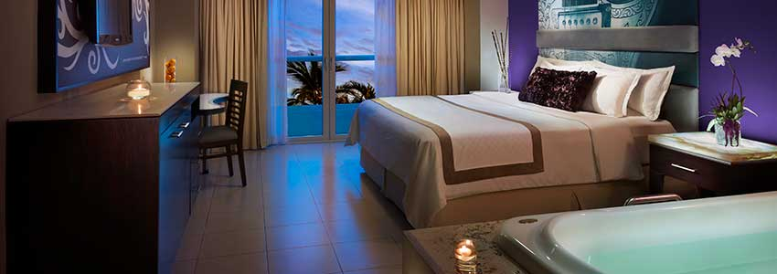 deluxe-gold-hard-rock-hotel-vallarta